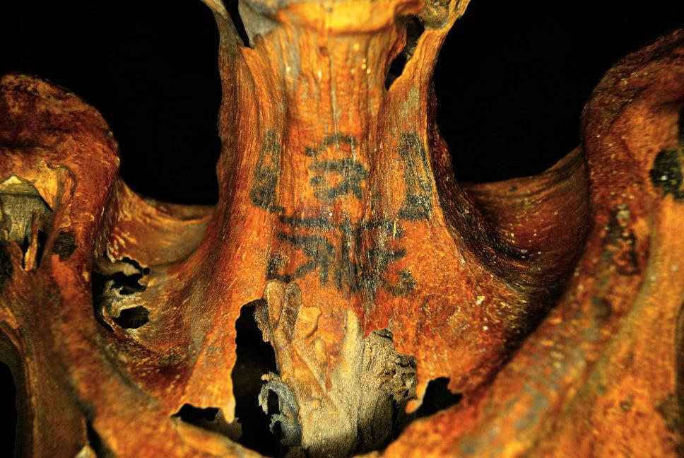 egyptian-mummy-tattoos-01-neck